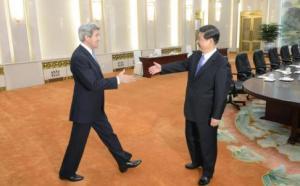 Kerry an d Xi at a recent meeting