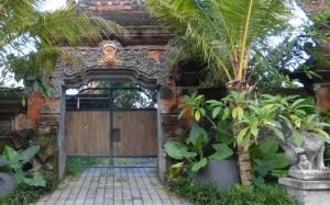 entrance2w