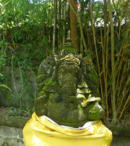Ganesha protects travelers and residents - here at Uma Sari on Jalan Bisma.
