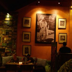 Bollero has old Balinese photos decorating the walls.