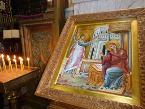Beautiful painting of the Annunciation.