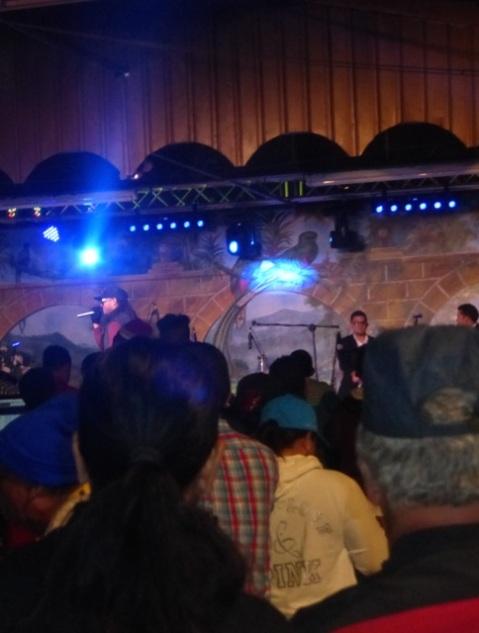 singer night